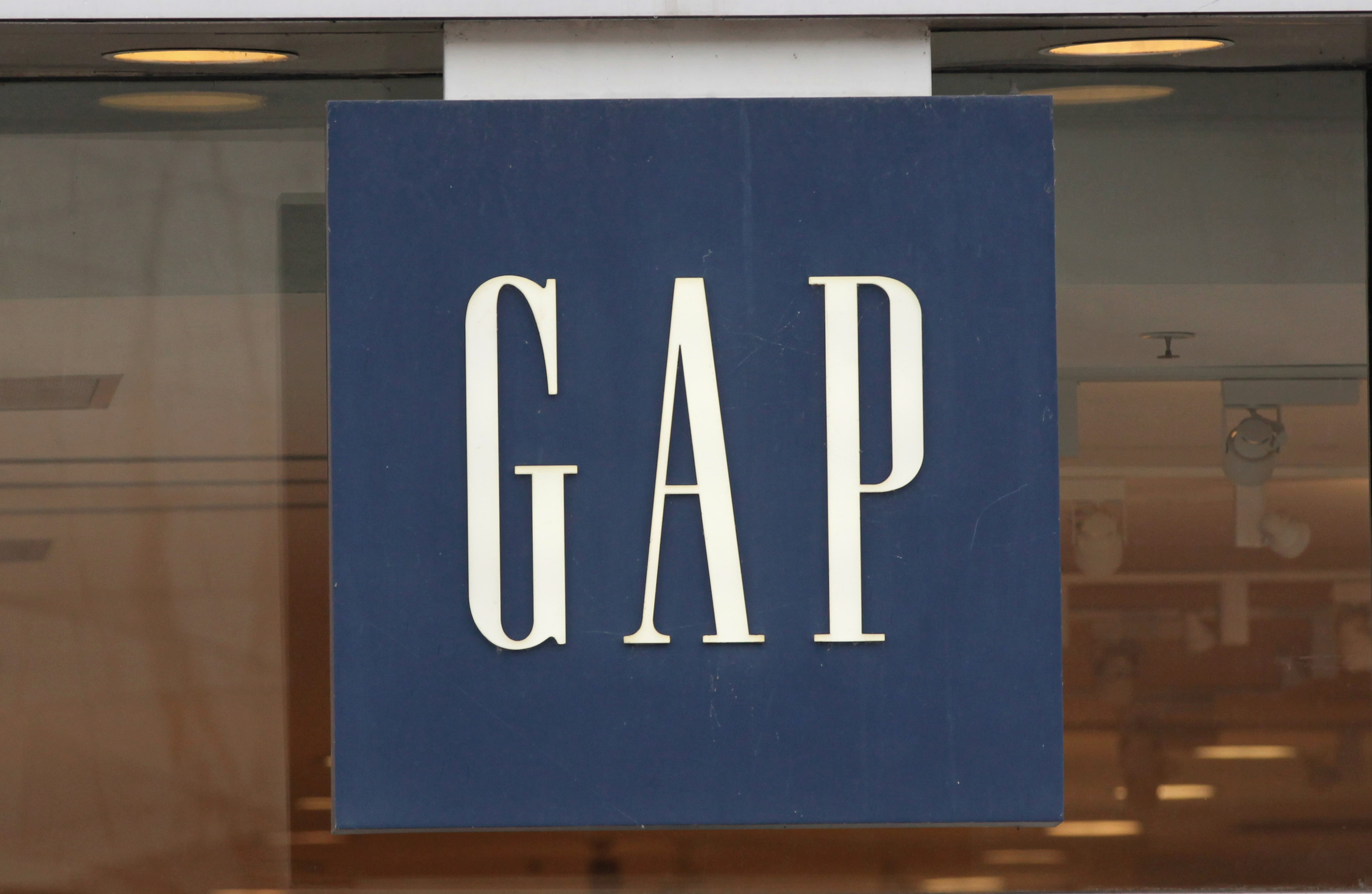 Gap To Close Roughly 700 Stores In US, As Focus Shifts Online And International